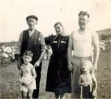 Mick 'The Feather' McCrink Dromintee c.1940 with Campbell family.